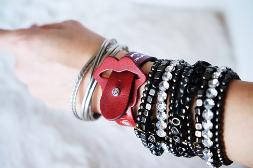 0lip_r_wrist