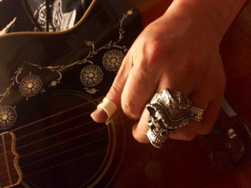 ギターとリング